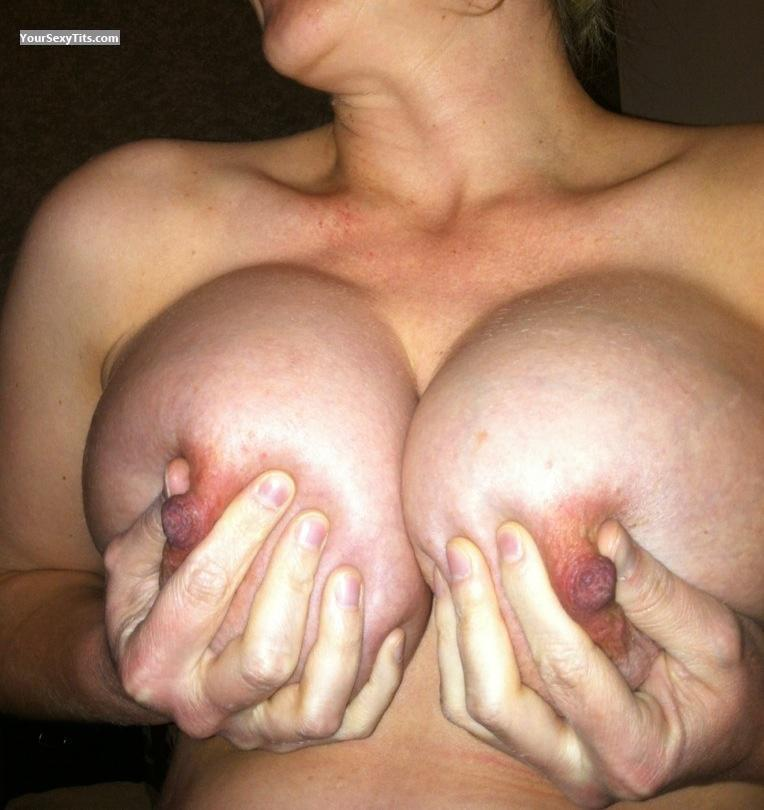 Tit Flash: Very Big Tits By IPhone - Lady Love from United States